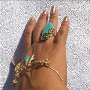 Jewelry - Turquoise Ring and bracket set